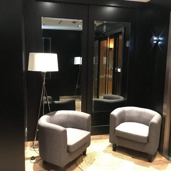 Mun Interiorismo Zaragoza Comercial Hosteleria pared couch