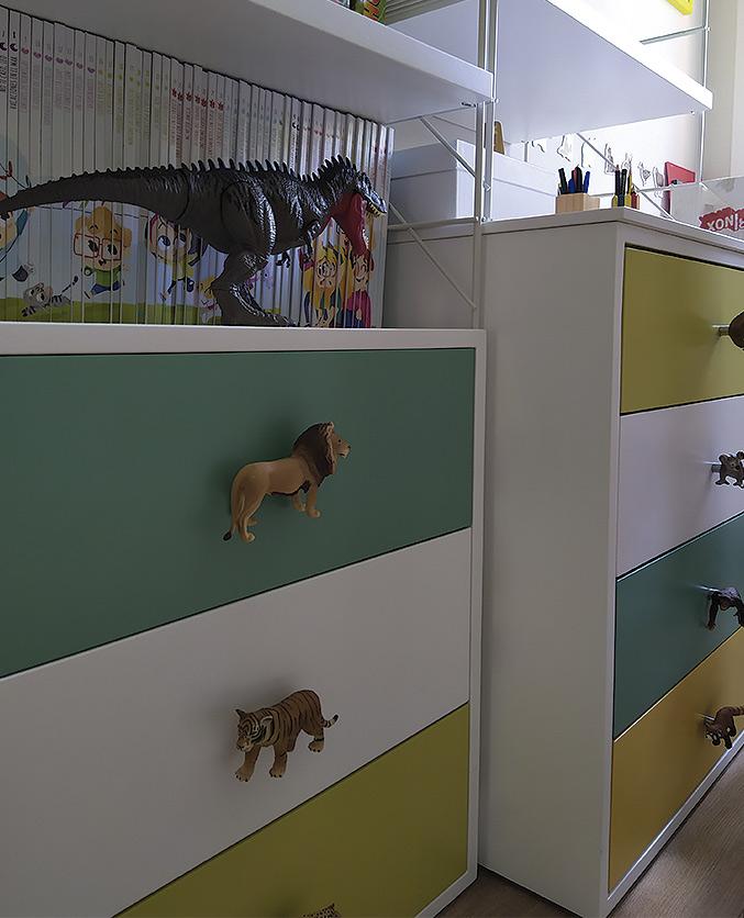 colores vivos y materiales resitentes para la decoración de la habitación infantil de Héctor