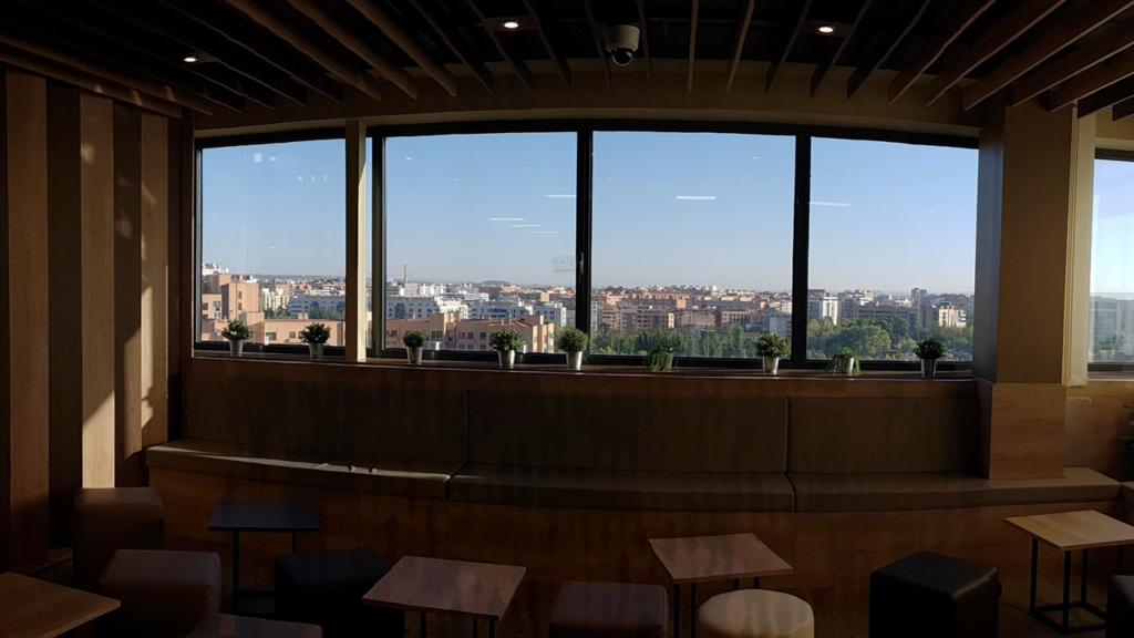 Selecta Starbucks después de la reforma vistas exteriores